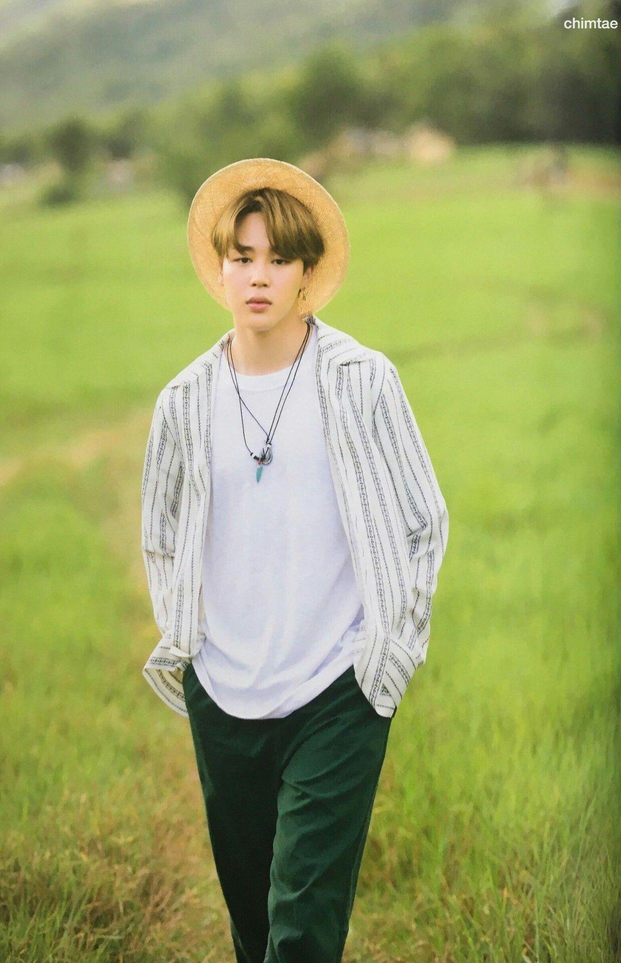 foto de Jimin ~ BTS Summer Package 2017 BTS (방탄소년단) Pinterest
