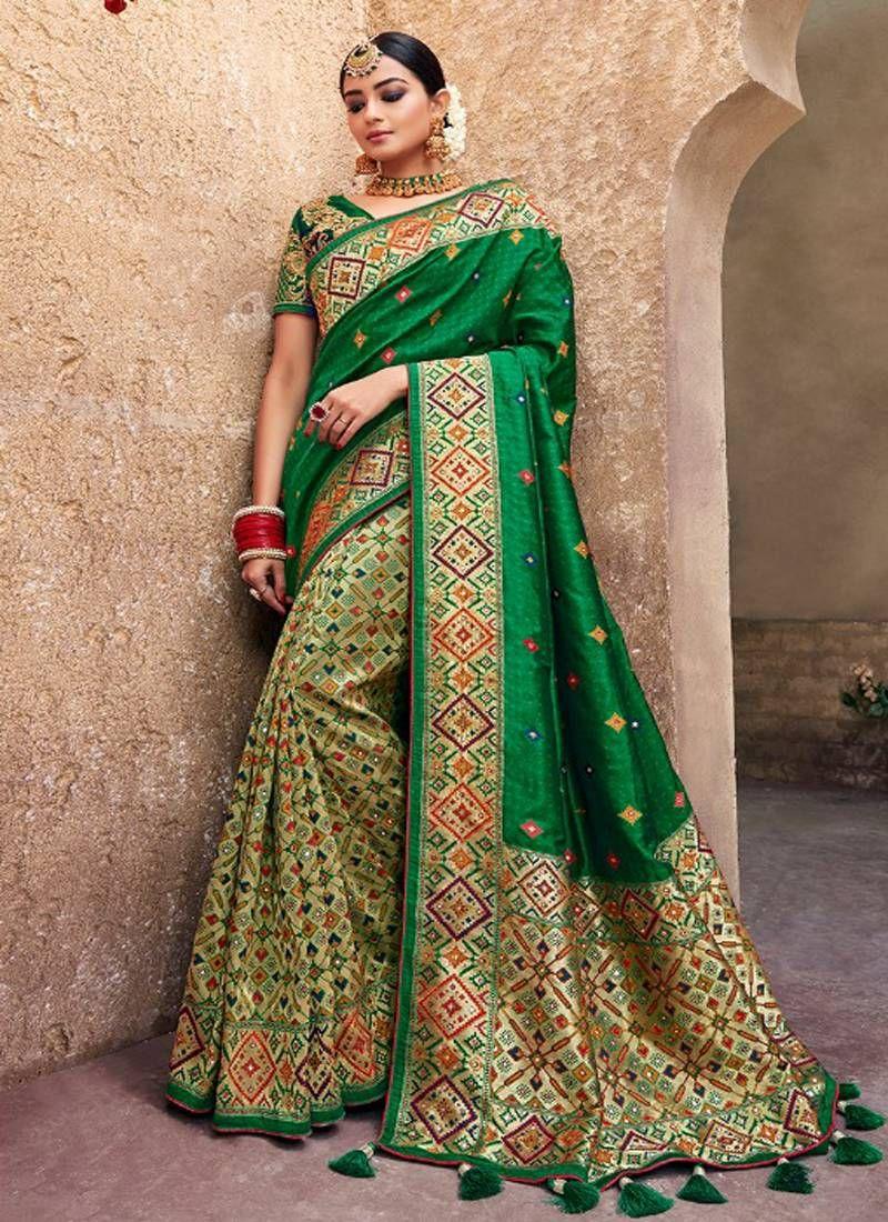 3b36fa2c28 Green Woven Banarasi Saree With Blouse, Designer Border And Pallu.