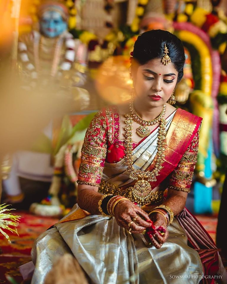 Photo of South Indian Bridal Jewellery Ideas. Photography by https://www.instagram.com/sowmyaphotography/