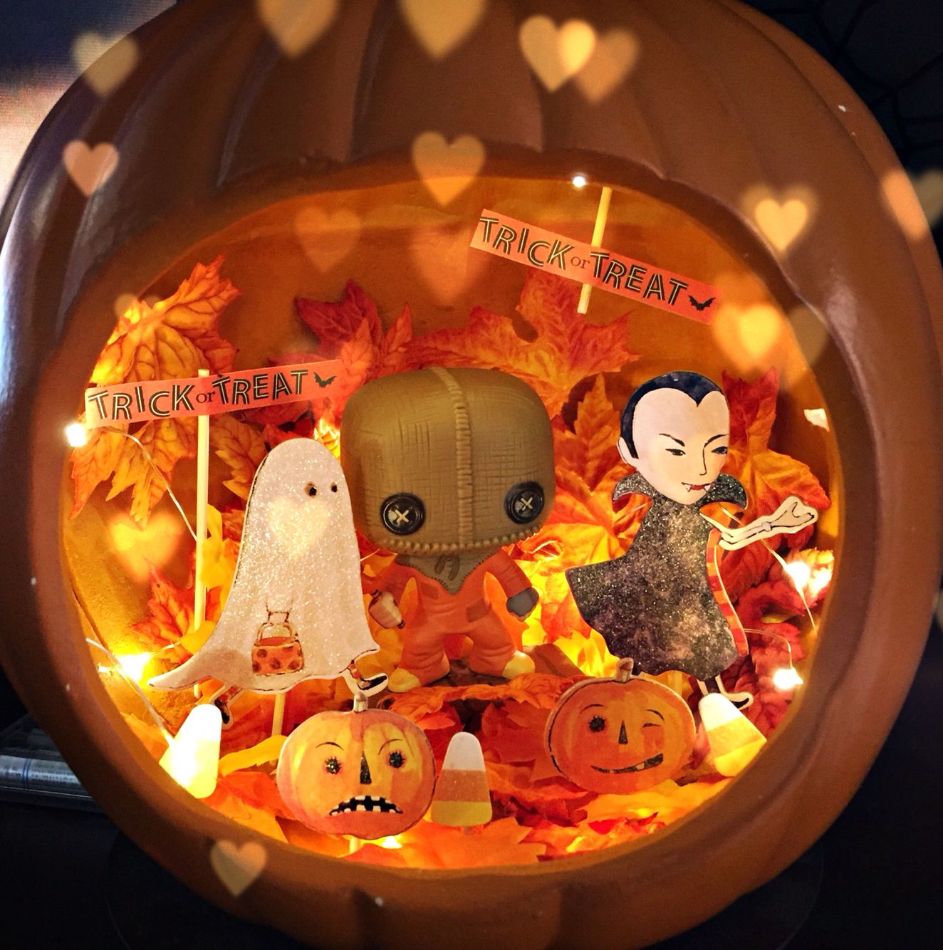 Trick R Treat inspired pumpkin diorama #halloweeniseveryday - fall and halloween decorations