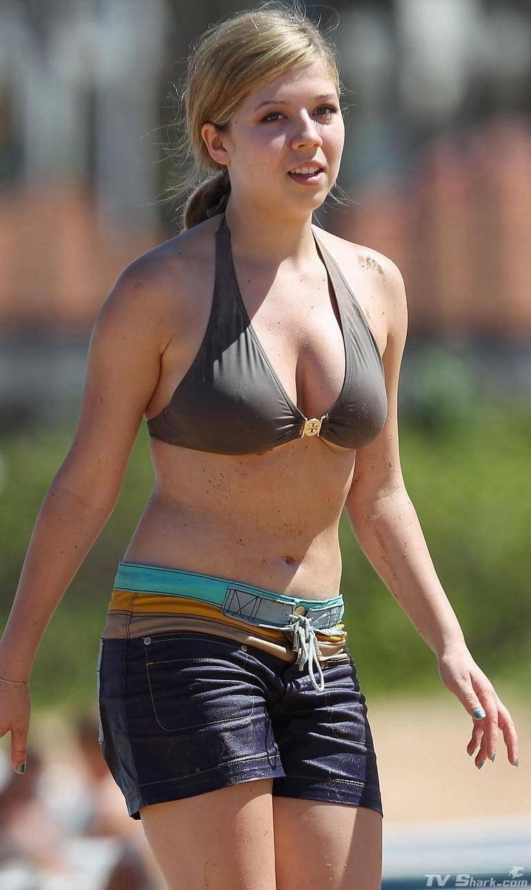 Jennette McCurdy bikini shorts (770×1289) | Jennette