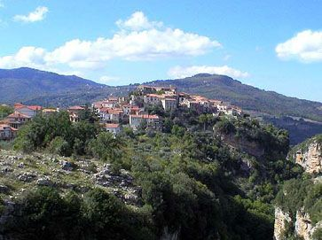 Visit the village of Campora