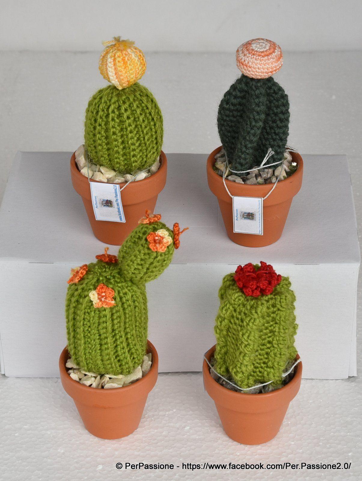 Cactus Fatto A Mano All Uncinetto Vaso Di Terracotta Da 5 Cm Amigurumi Pianta Grassa Con Fiori Crochet Plant Flower Patterns Crochet