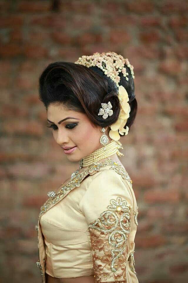 Pin By Parita Suchdev On Sri Lankan Wedding Beach Wedding Hair Beautiful Bride Sri Lankan Bride