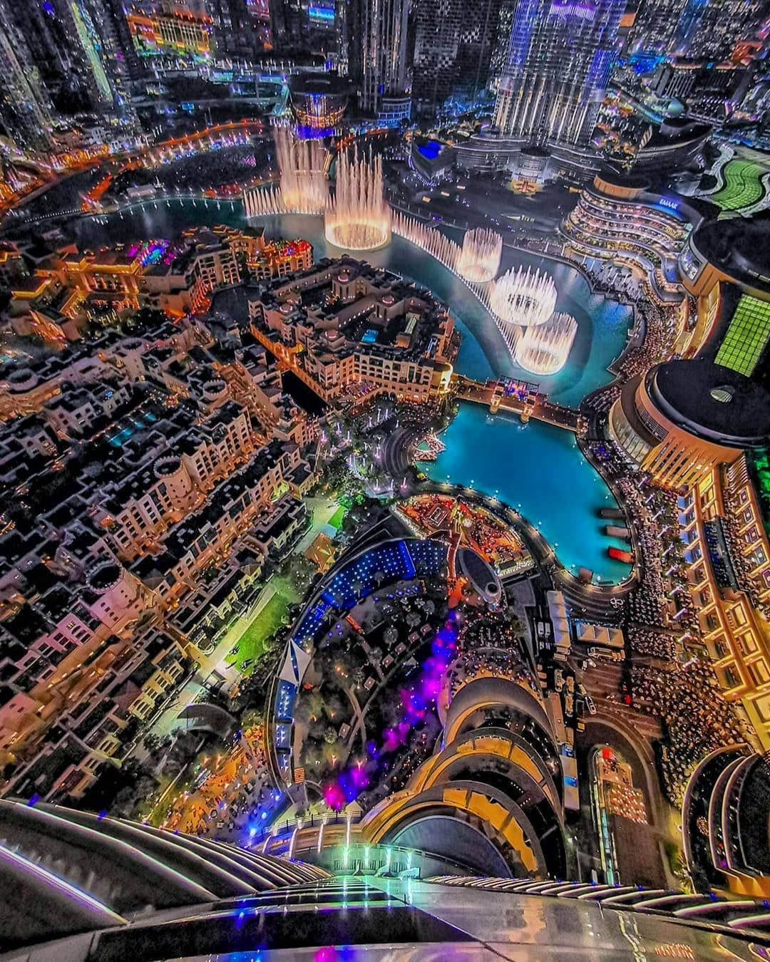 Amazing Dubai S Instagram Post Downtown Dubai At Night Photo By Abdulaziz Photos Dubai دبي Visitdubai Wonderful Dubai Visit Dubai Photo