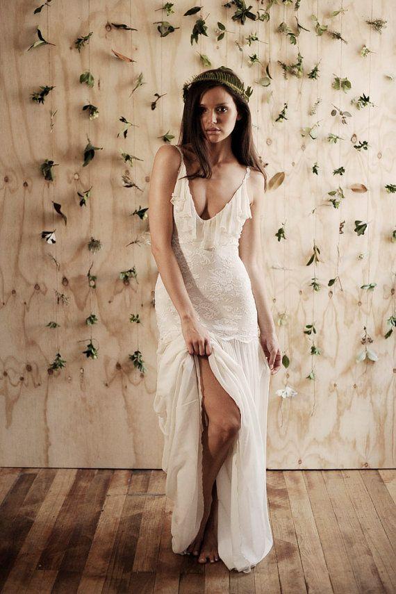 Hermoso respaldo bajo y bajo Busto vestido de novia de encaje con detalle de Gasa y seda con volados y falda de Gasa de seda ensueño