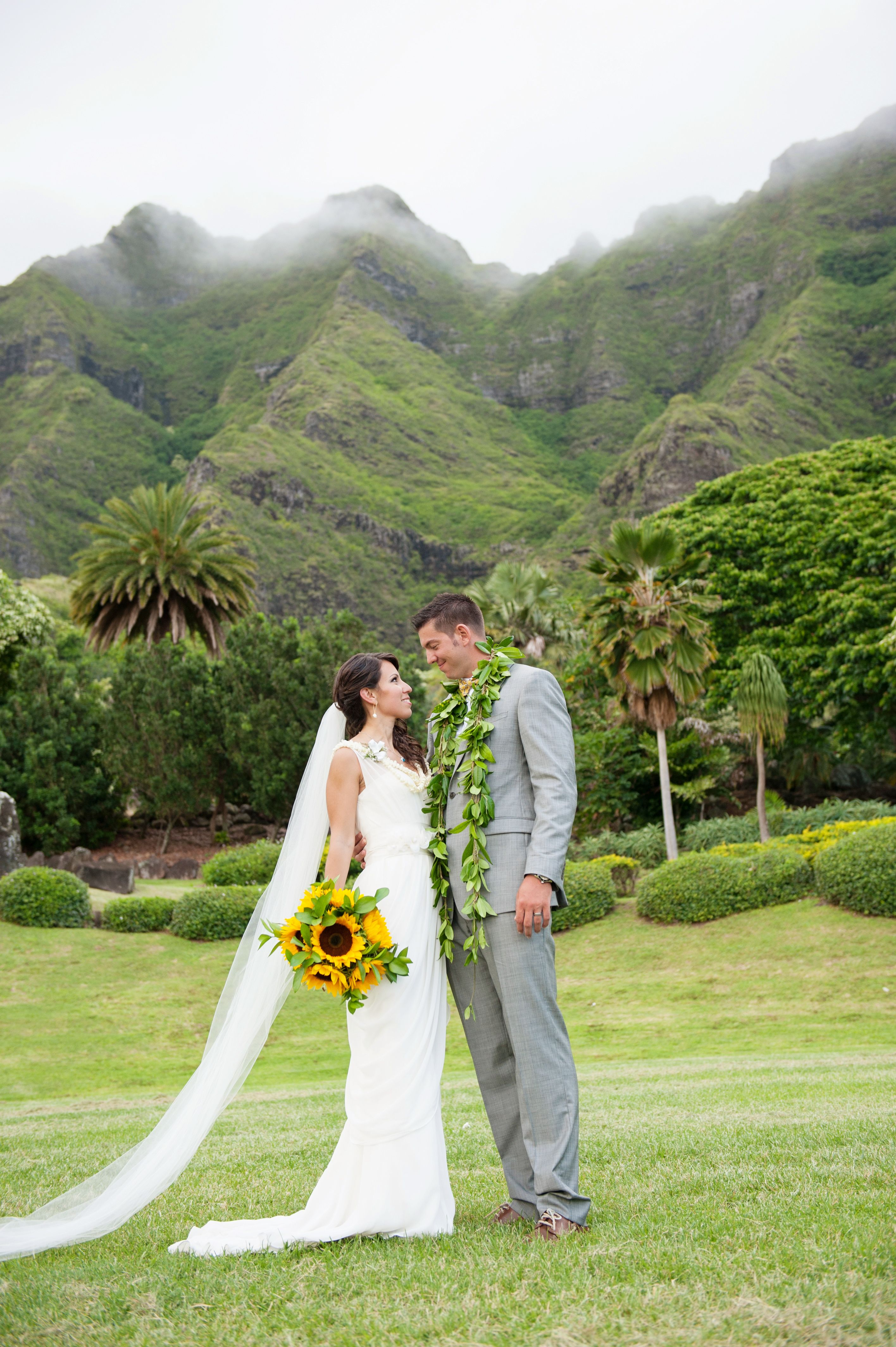A colorful bold wedding at kualoa ranch in kaneohe hawaii