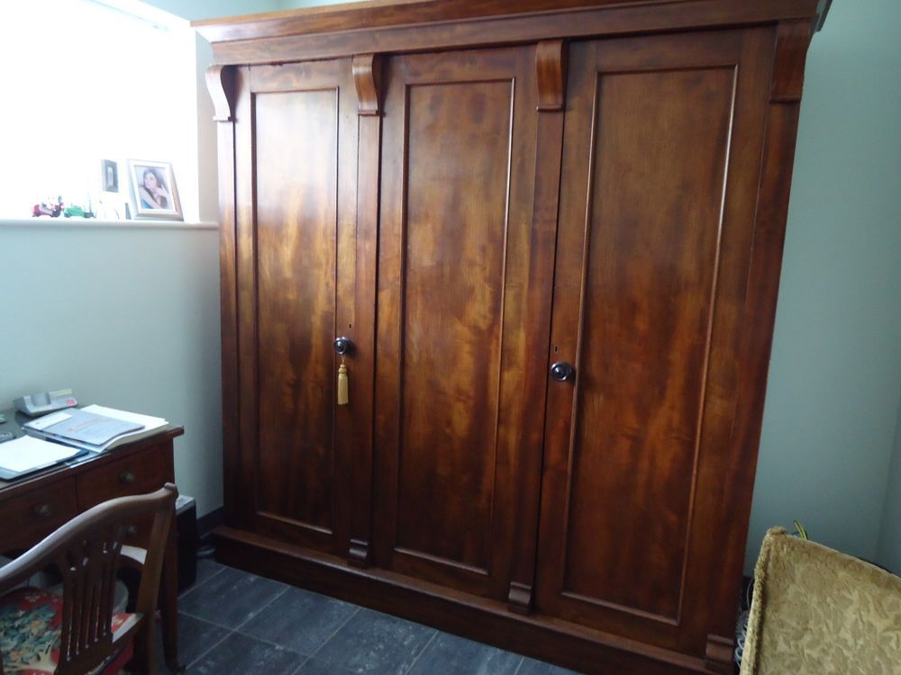 Antique Victorian Mahogany Triple Wardrobe In Antiques