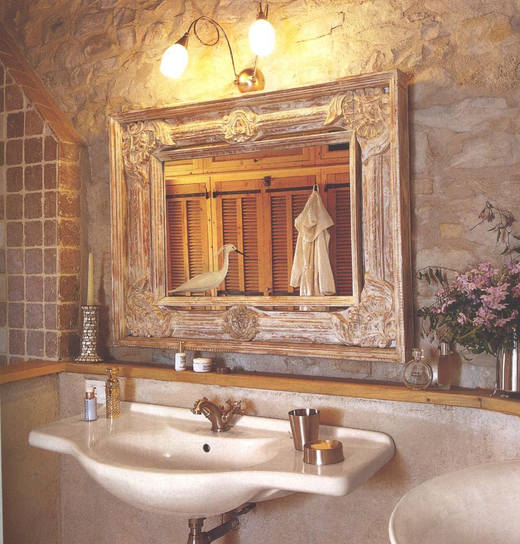 BOISERIE & C. Bagno la matericità dello stile provenzale