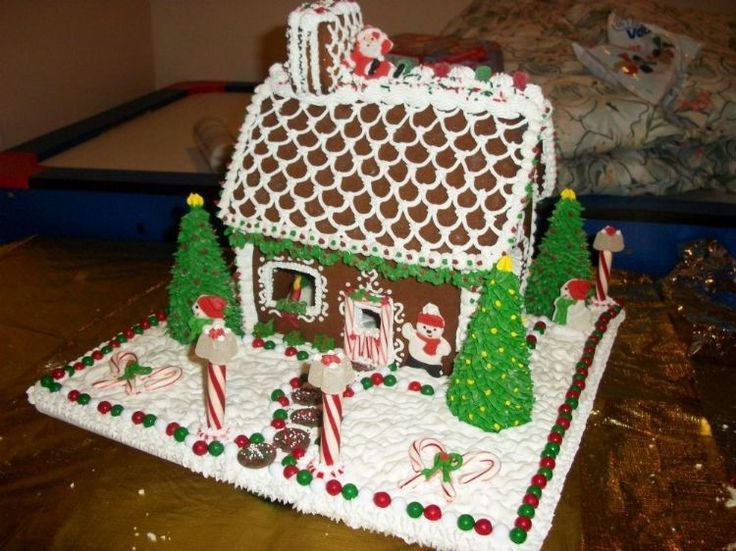 gingerbread house decorations Gingerbread House ideas Jesus is