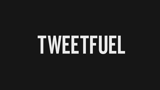 A cada retweet, menção ou novo seguidor que eles recebem, uma nova sacudidela no Fuel Band.