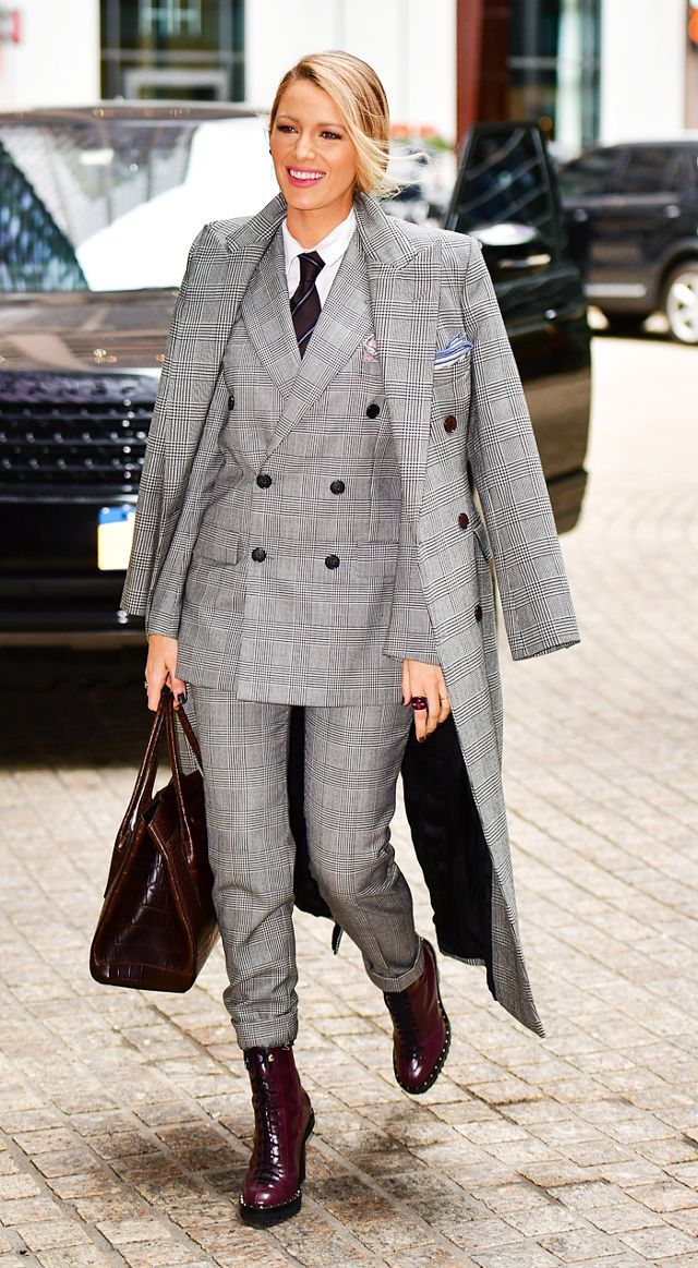 4ea7ac205111 Only Blake Lively Could Wear These 7 Outfits in Just One Day