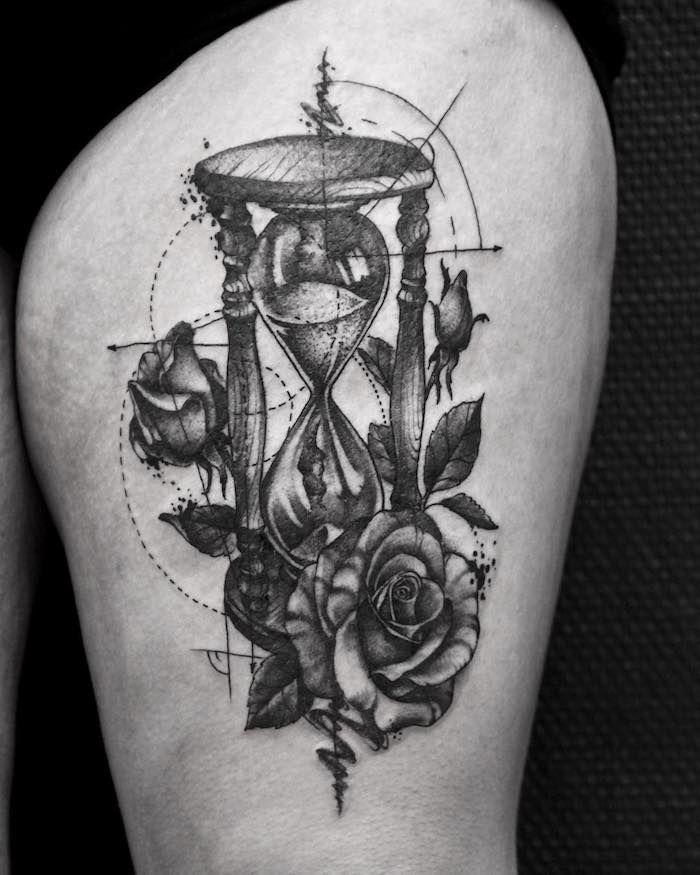 1001 ideen und bilder zum thema sanduhr tattoo tattoo. Black Bedroom Furniture Sets. Home Design Ideas