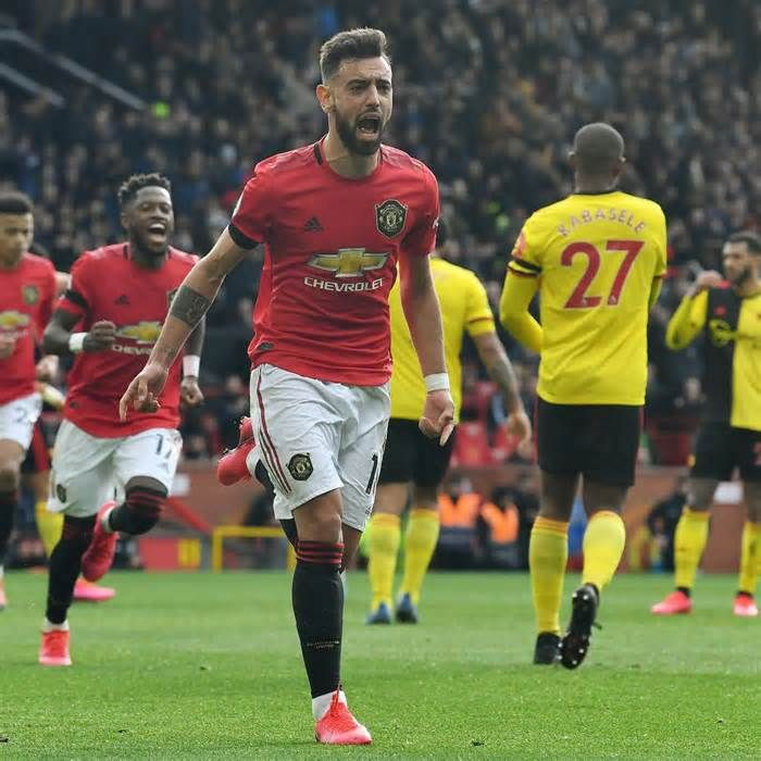 Bruno Fernandes Scores His First Manchester United Goal In Win Over Watford Get The Latest Ne In 2020 Manchester United Goal Manchester United Manchester United Team