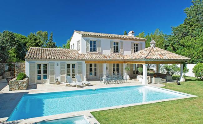 Charmante und geschmackvoll ausgestattete Villa bei Les ...