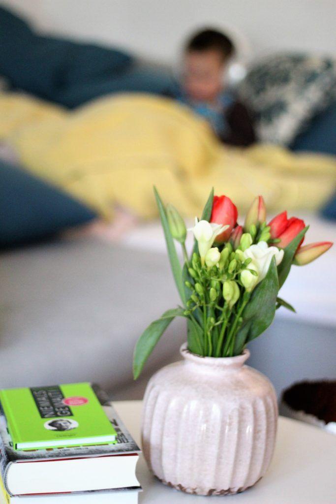 Meine Lieblingsbücher von meinem Nachttisch - mit Herz und Liebe gelesen