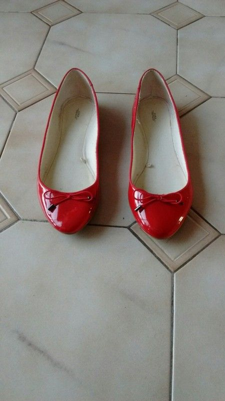 520c3be28185e0 Ballerines rouges Zara taille 38 | vinted shoes | Ballerine rouge ...