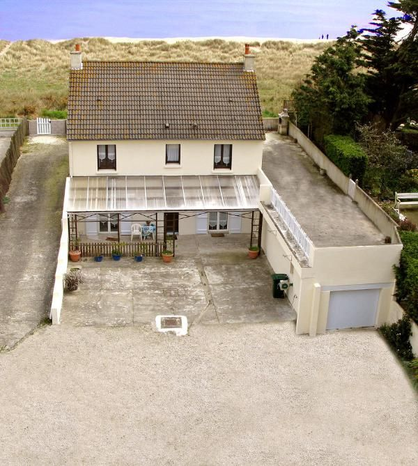 Cheap Studio Apartments Reno: Utah Beach £1872 7 Nights 6th Aug