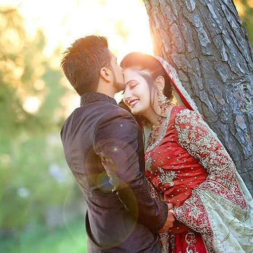Cute Romantic Love Couple Dps For Whatsapp And Facebook Instagram Users Can Get Ideas Via Wedding Couples Photography Cute Love Couple Romantic Love Couple