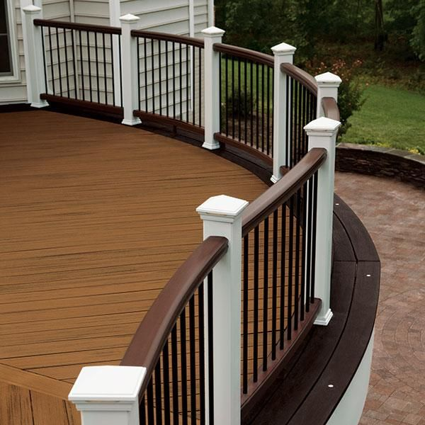 Custom Curved Trex Transcend Rails In Vintage Lantern With