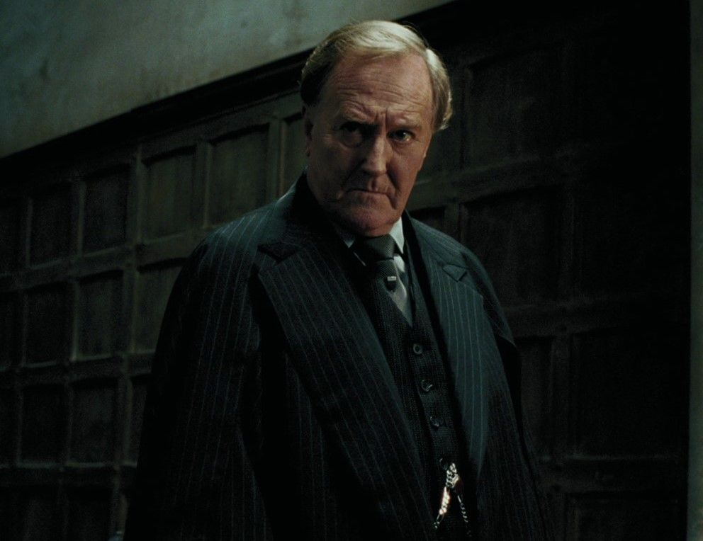 Pin By Hogwarts On The Ministry Of Magic Robert Hardy Harry Potter Actors Fudge Harry Potter