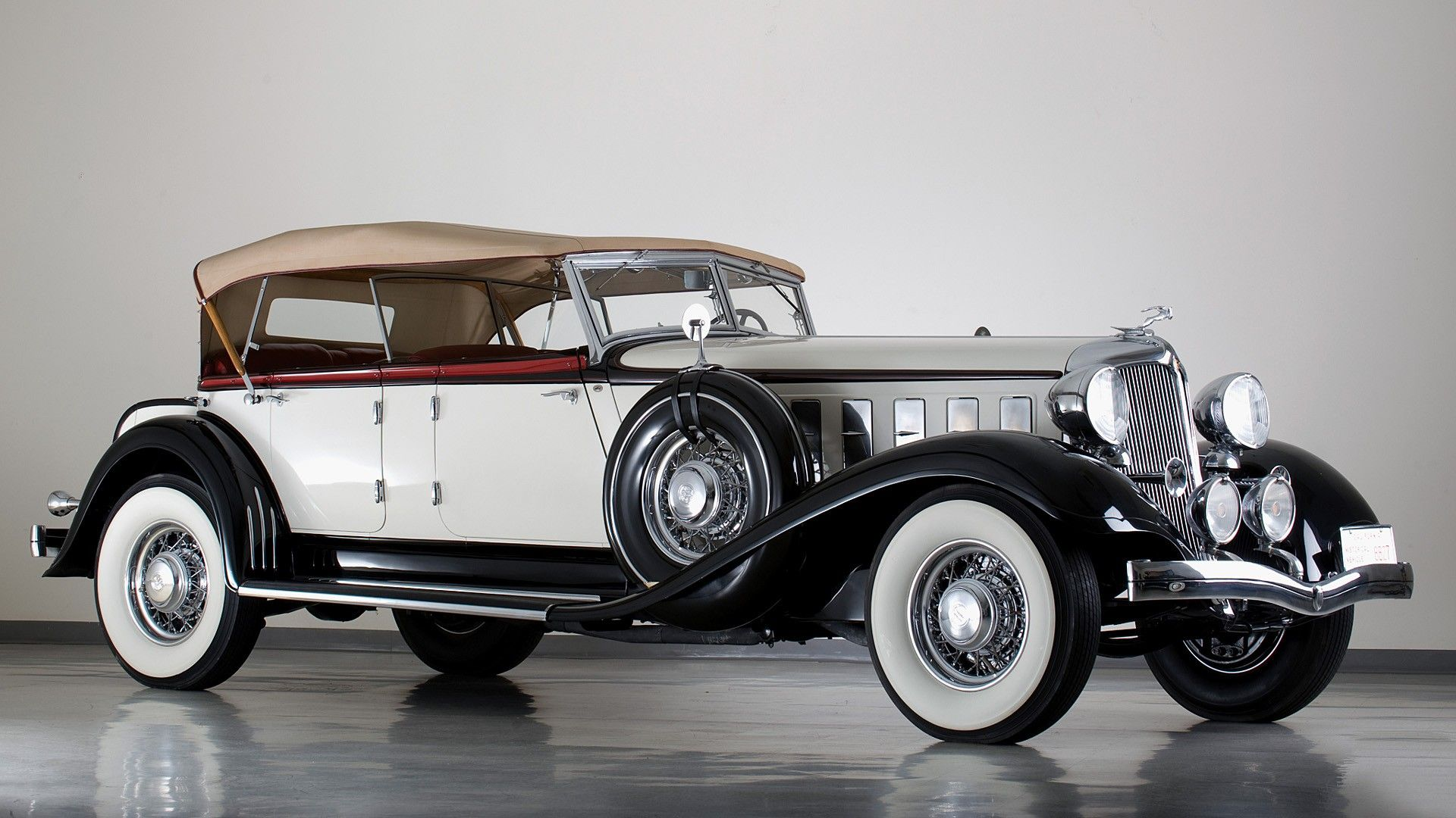 25 Beautiful Antique Cars For Car Lovers Antique cars