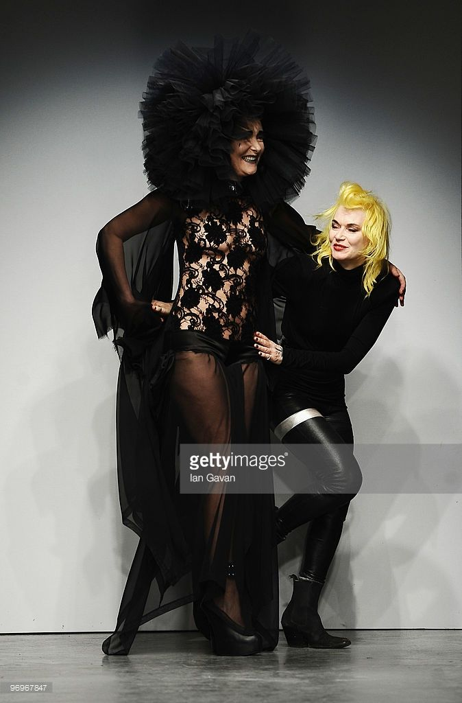 Siouxsie Sioux And Fashion Designer Pam Hogg Appear On The Runway At Siouxsie Sioux Fashion Fashion Design