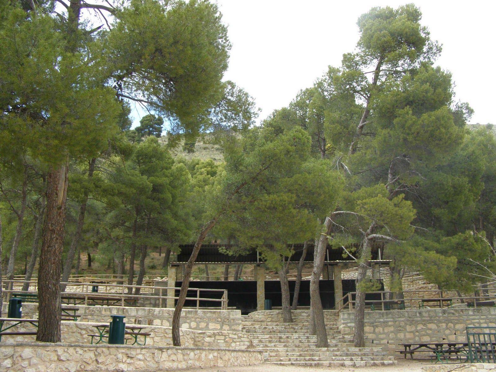La provincia d Alicante tiene #áreasrecreativas muy chulas. Os enseño la de #Ibi? #archivo http://blgs.co/5dwY44