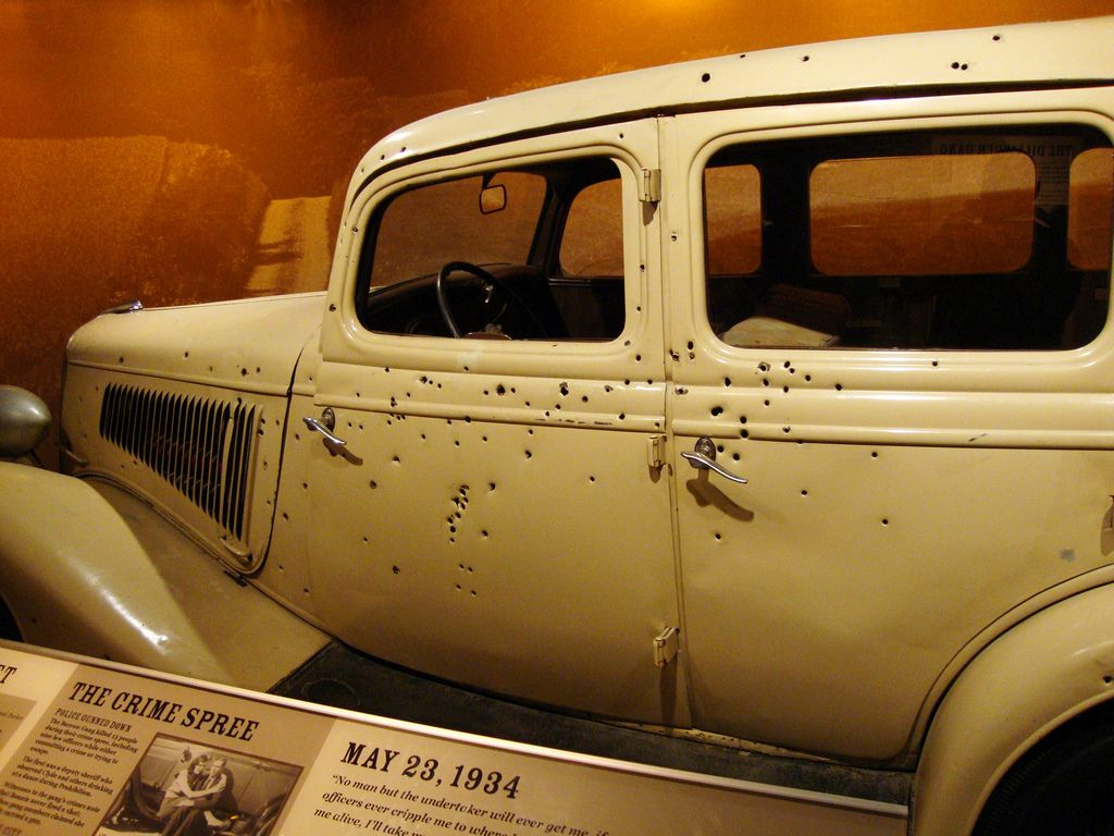 May 23 Bonnie And Clyde Were Ambushed On This Date In 1934