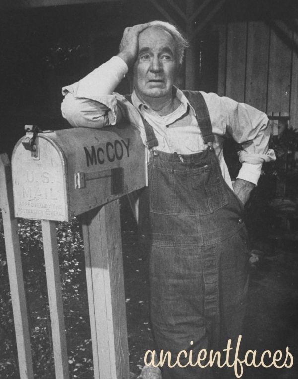 Grandpa From The Real Mccoys Walter Brennan Holds The Record For Winning The Academy Award For Best Supporting Actor He Won  Times
