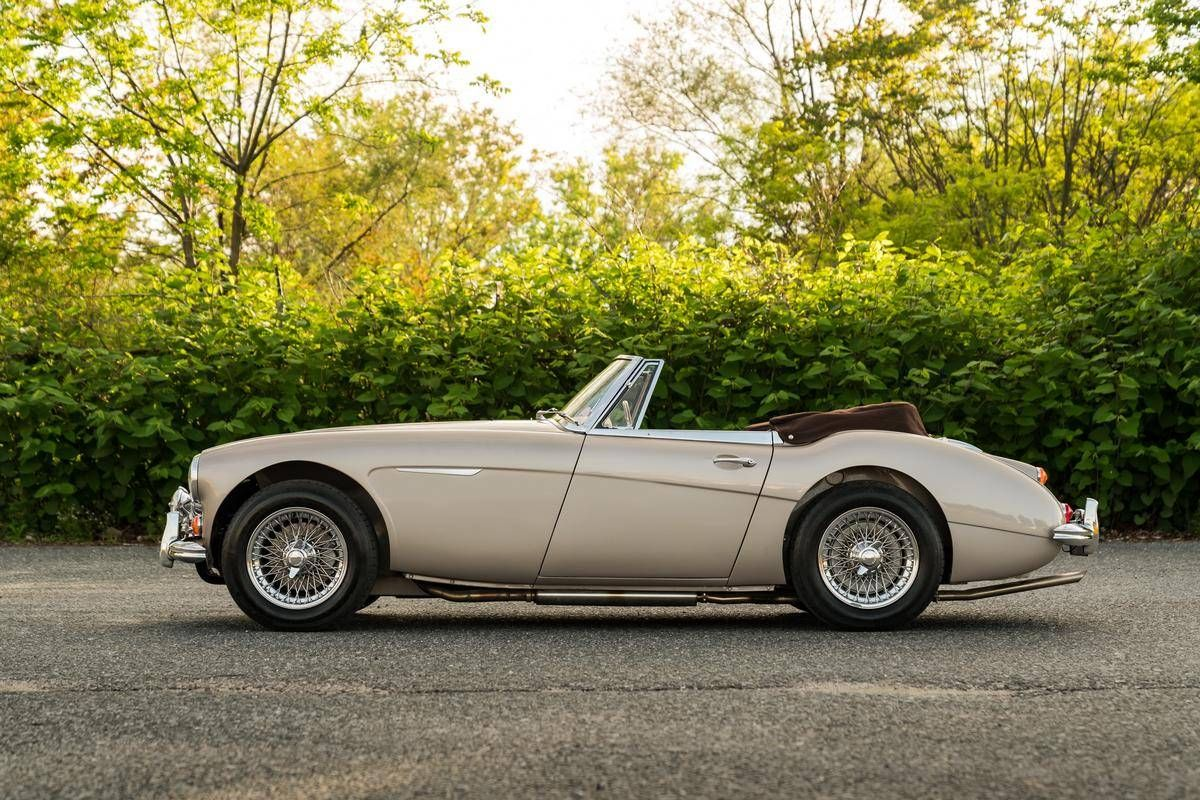 Pin By Mariska Willemsen On Cars Austin Healey Classic Motors Old Sports Cars