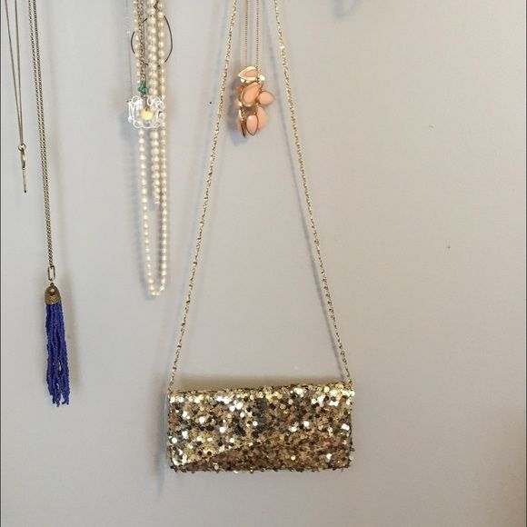 Gold sequins crossbody / clutch NWT!! This purse is perfect for homecoming, prom, military balls or a night out! Charming Charlie Bags Clutches & Wristlets