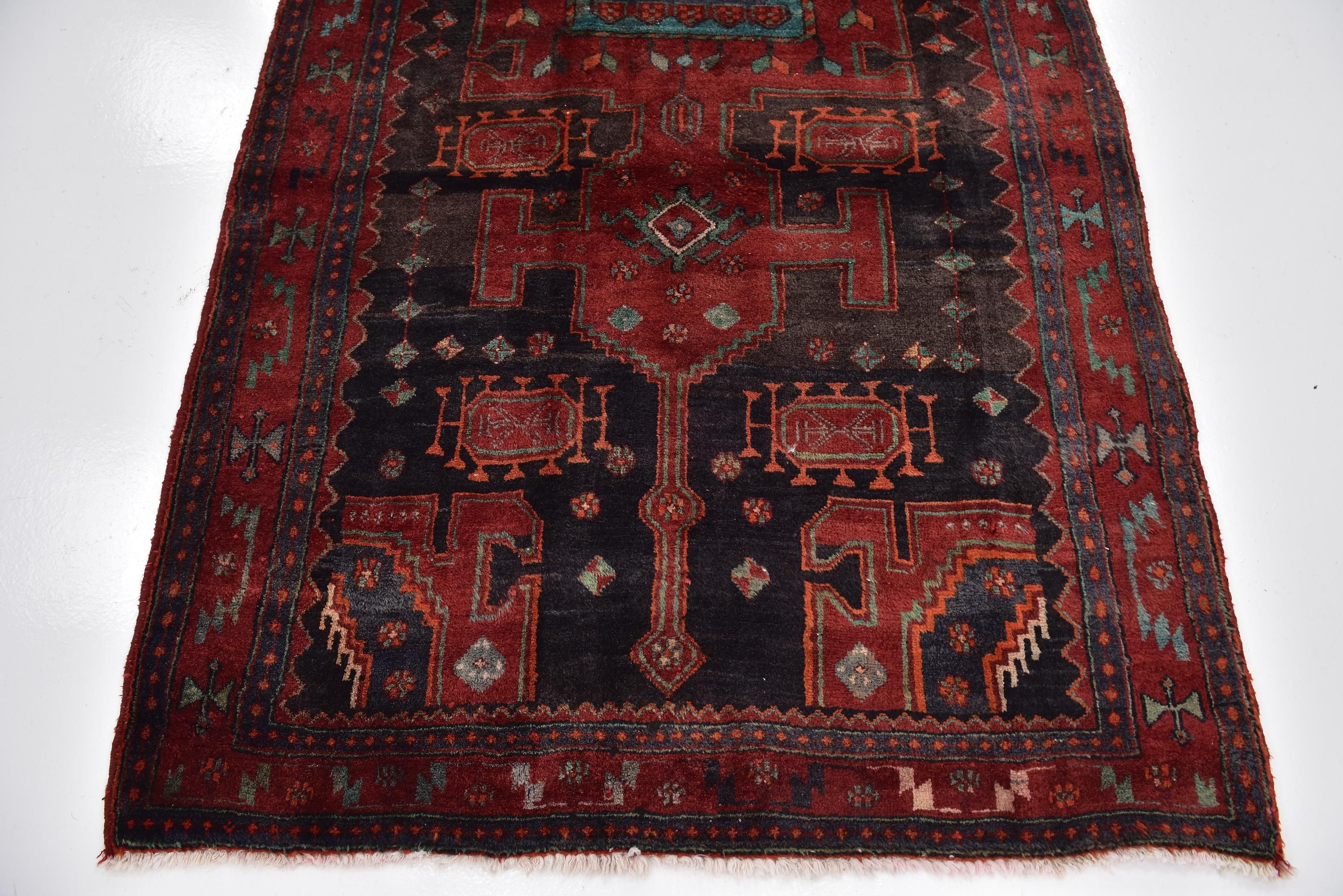Red 4 10 X 10 8 Meshkin Persian Runner Rug Sponsored Meshkin Red Rug Runner Persian Sponsored Persian Rug Runners Rugs Rug Runner