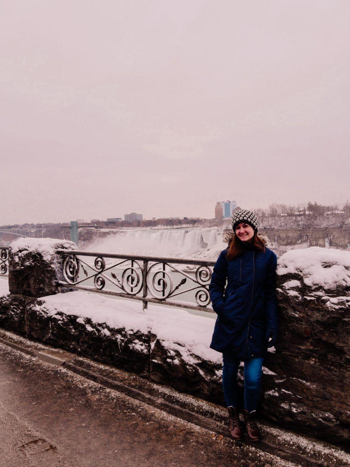 Niagara Falls In The Winter In 2020 Niagara Falls American
