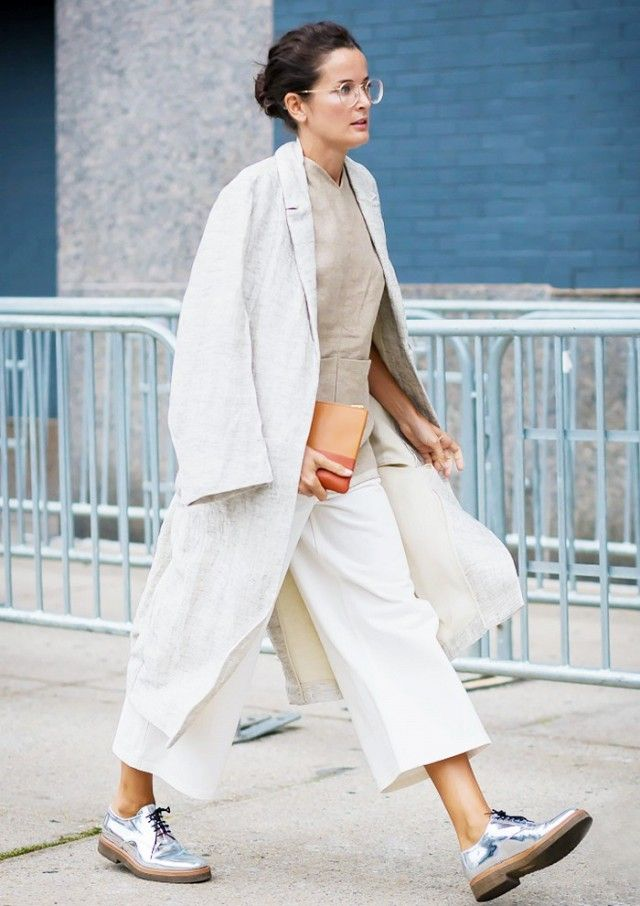Follow Rent a Stylist https://nl.pinterest.com/rentastylist/ Pair a metallic pair of flats with a monochromatic look for some needed shine