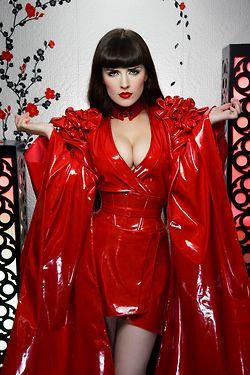 red riding hood  rode mode regenmode kleding
