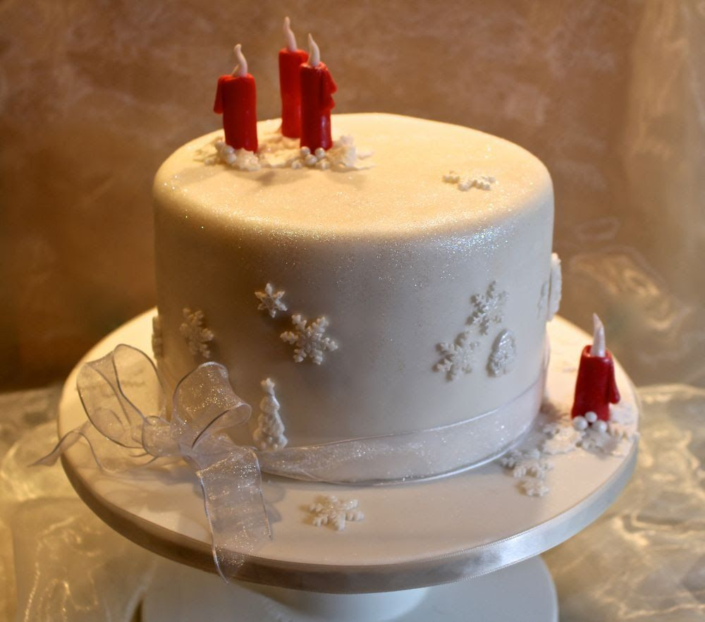 adventstorte weihnachtstorte motivtorte mit vier kerzen fondant tutorials kuchen torten. Black Bedroom Furniture Sets. Home Design Ideas
