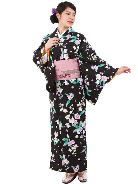 Washable Kimono 《小紋着物 袷 14B》  きもの初めてさんにおすすめなカジュアル小紋の袷着物です。 黒地に胡蝶蘭をあしらった上品なデザインです。 一般的に10月~5月にお召しいただける袷の着物になります。 カフェ巡りやお食事会をはじめ、普段着として幅広くお召しいただけます。 素材は、自宅でも気軽に洗えるポリエステル着物のため 気兼ねなくお出かけいただけます。  着物の単品販売です。 お仕立済商品ですので、お届け後すぐにご着用いただけます。