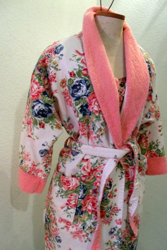 Victorias Secret Robe Cotton Terrycloth Vintage Pink Flowers on ... 1f654321e