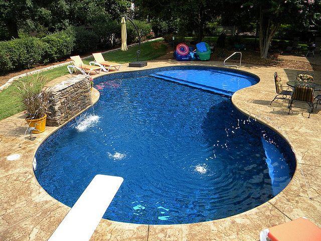 Tanning shelf in vinyl pool wow small inground pool for Simple inground pool designs