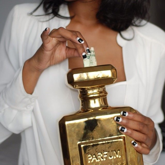 Gold Perfume Bottle Decor Lifeinbeverlyheels Is Saving In Style With Our Parfum Bottle Coin