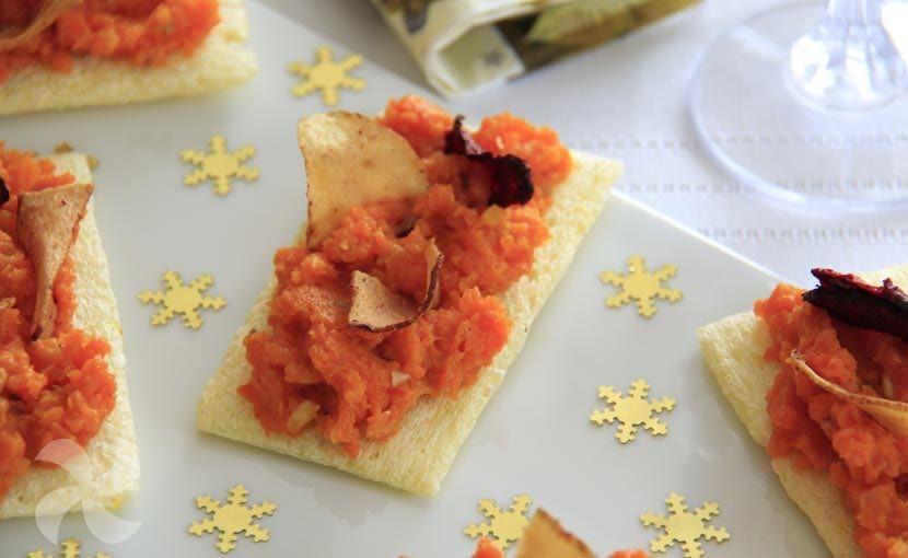Canapés de paté de zanahoria y alcaravea