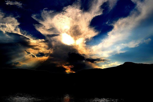 Jeremy Thompson shared the image of this dramatic sunset. The shot was snapped at Bell Park Dam in the Drakensberg. Share your sunset images at www.greatestsunsets.com