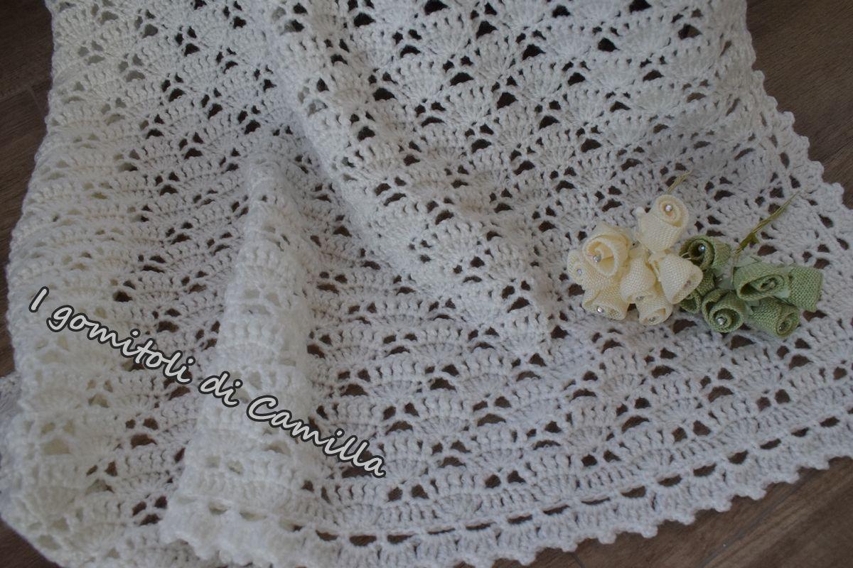 Copertina Traforata In Lana Con Ventagli Crochet 編み物