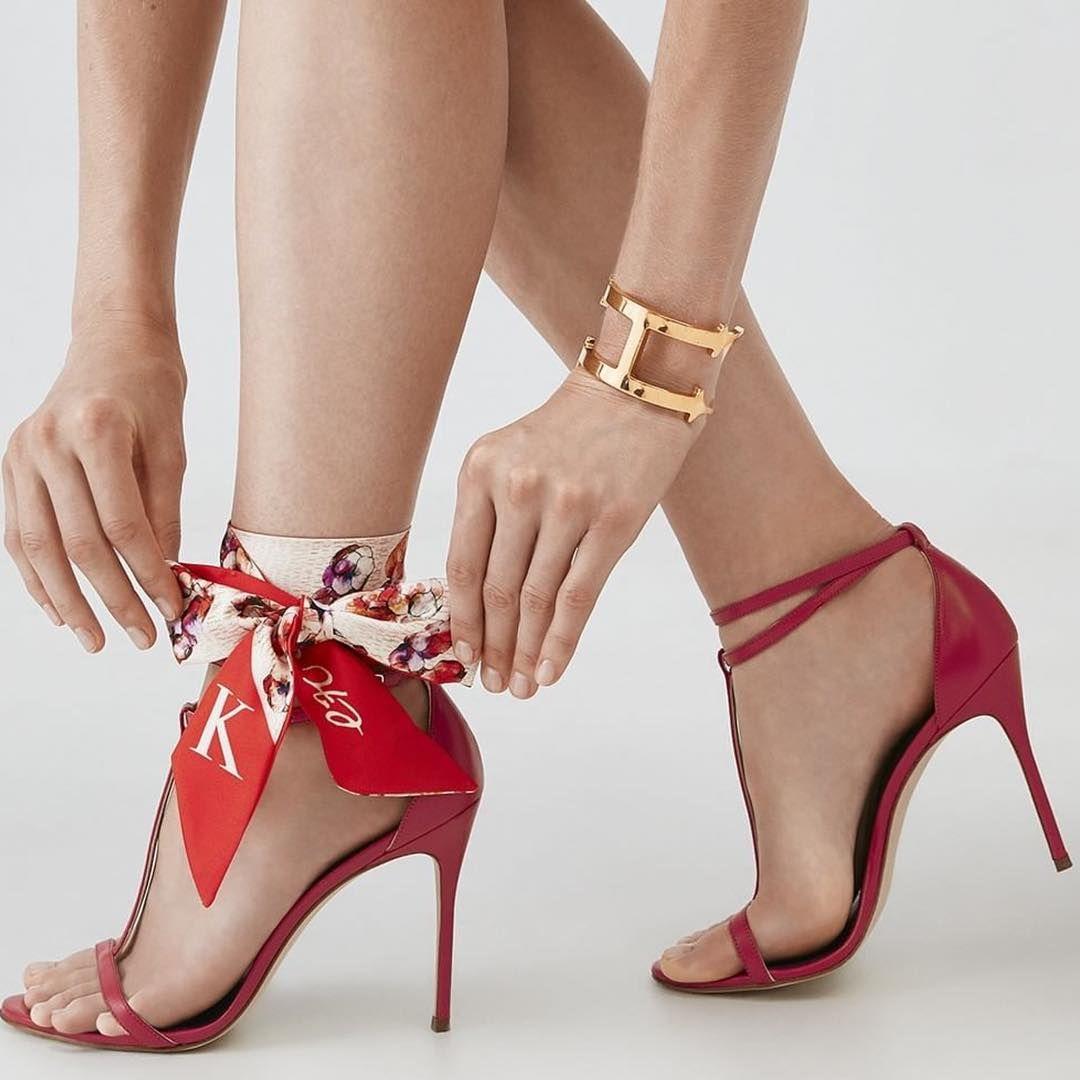 630dc91f687 Las  zapatillasrojas👠  trends  shoes  shoeaddiction  trends  redshoes   summer  carolinaherrera