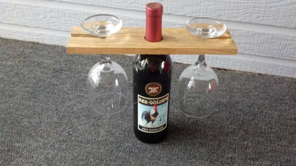 Wine glass & bottle display