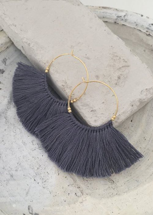 i want this fringe earrings in grey ! #greyfringeearrings #fashionjewelry #fringeearrings #earrings #greyearrings
