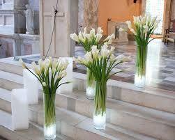 resultado de imagen para arreglos de flores naturales para la iglesia