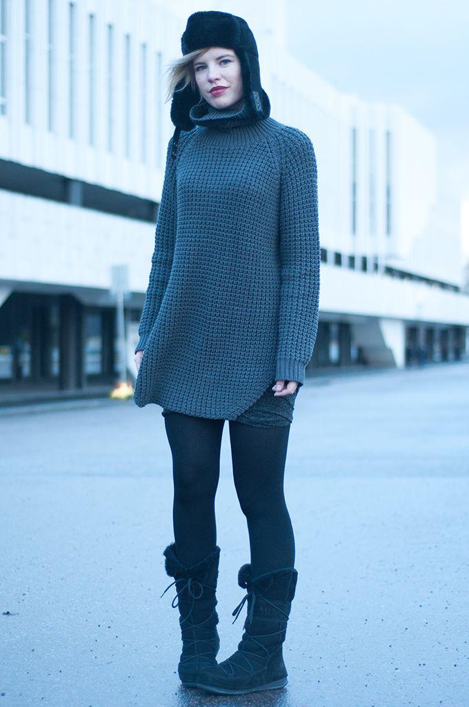 b6ee19f268a RED REIDING HOOD  Outfit scandinavian fashion blogger Elin Kling wearing  Hope Grand Sweater knitwear big warm heavy knitted turtleneck oversized knit  model ...