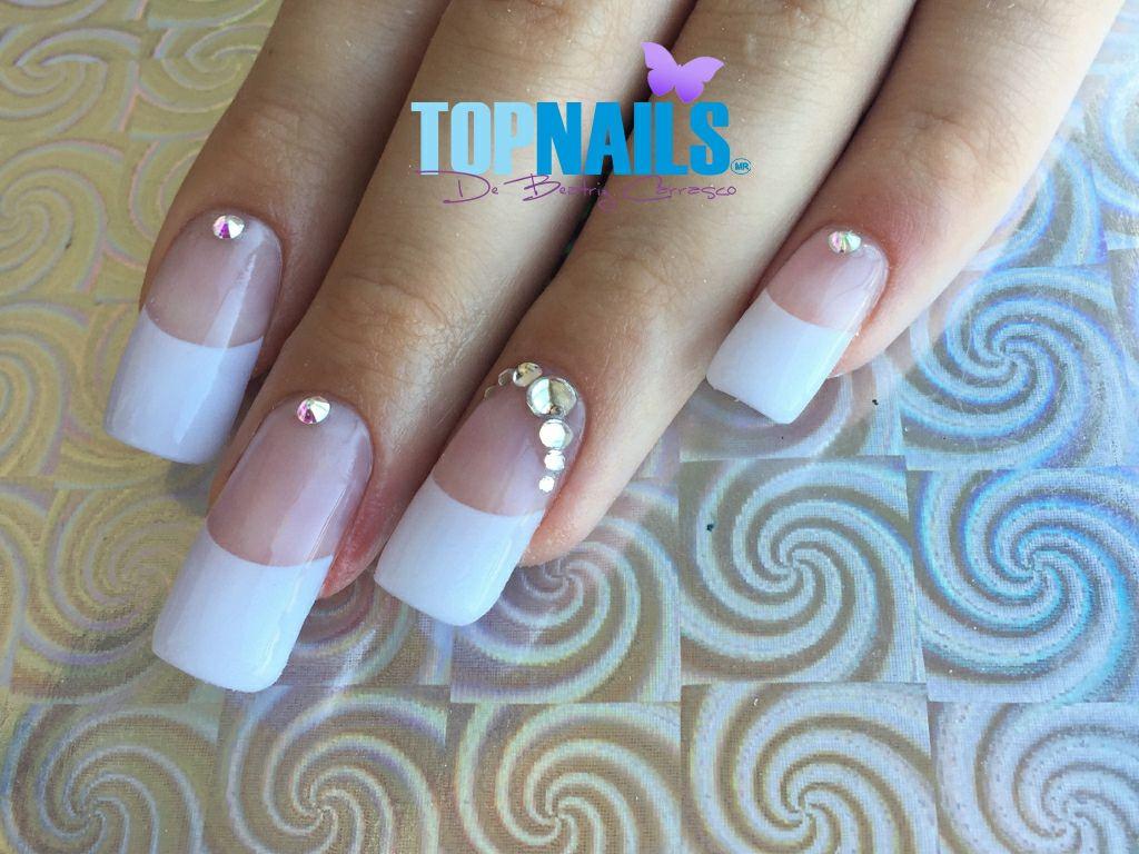 Uñas Acrílicas francesas y Cristales Swarovski.(Acrylic Nails French and  Swarovski Crystals) Hazte